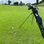 ゴルフ【セルフスタンド式クラブケース】は【ターポリン素材】のものが圧倒的にオススメです