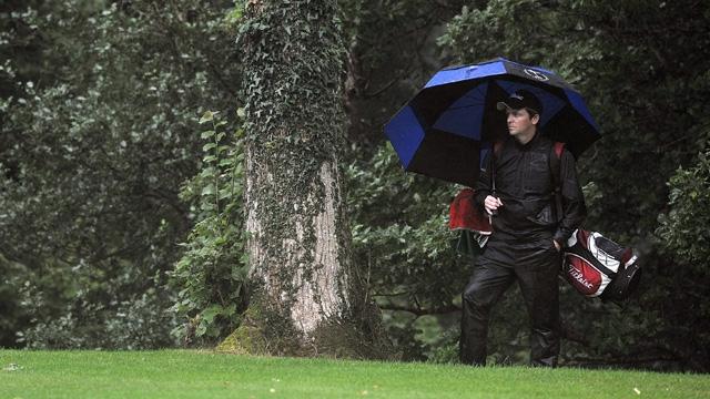 雨の日ゴルフ【ゴアテックスの帽子(ハット)】ひとつで、びっくりするほど快適に!