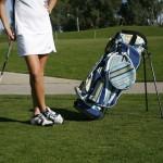 【2020版】ゴルフキャディバッグは【スタンド式】が軽くて練習場でも便利すぎます